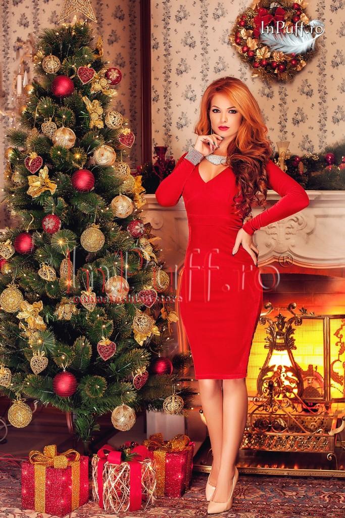rochie-revelion-catifea-rosie-cu-spatele-gol-1449591607-4