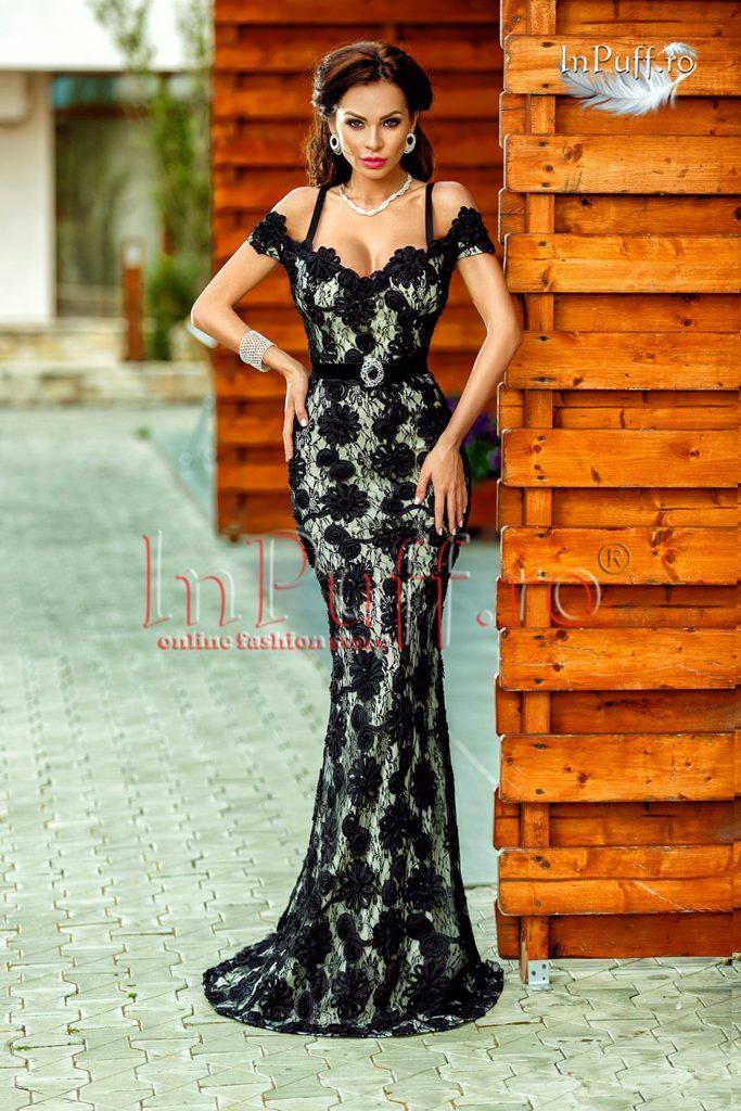 rochie-lunga-dantela-neagra-lasata-pe-umeri-1466158491-4