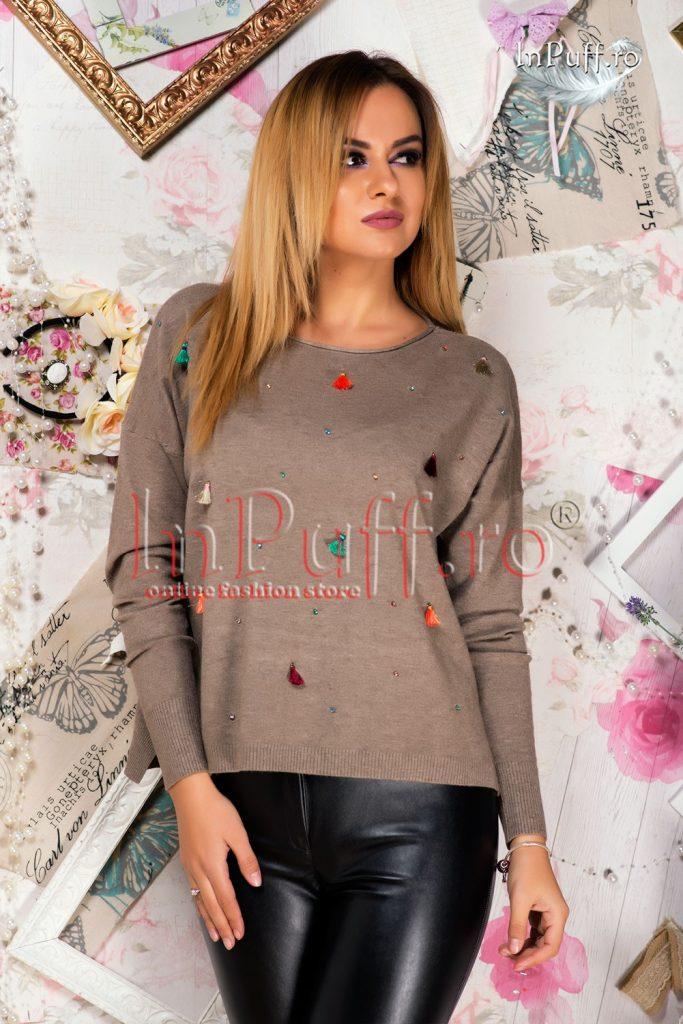 pulover-dama-bej-cu-ciucuri-colorati-1476195142-4
