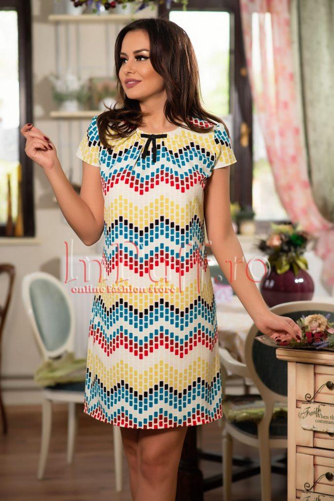 rochie-lejera-cu-imprimeu-geometric-colorat-1491913662-4